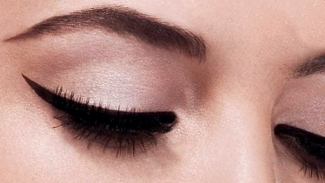Winged Eye Makeup Perfect Winged Eyeliner Tutorial The Easiest Method Youtube
