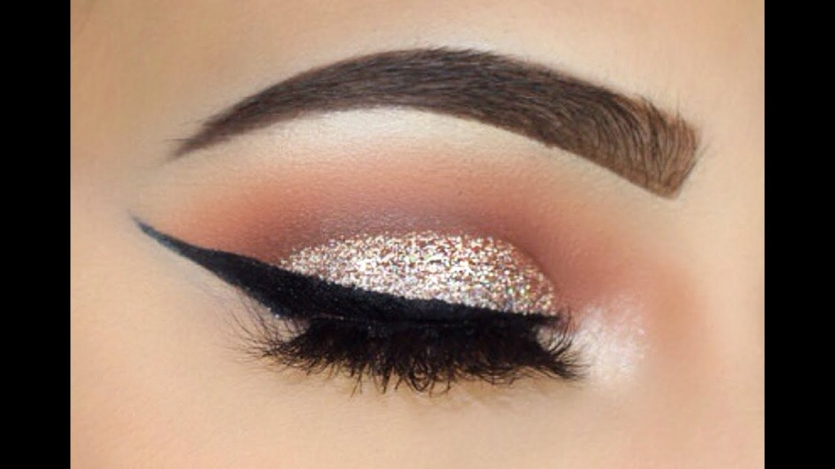 Winged Eye Makeup Sliver Glitter And Bold Wing Makeup Tutorial Sofie Bella Youtube