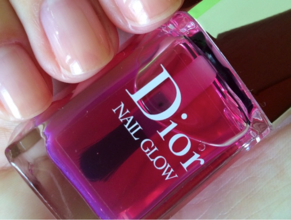 Dior Nail Glow Instant French Manicure Effect Whitening Nail Care review
