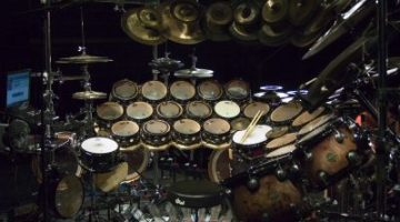 drums_0003_dw_terry_bozzio_2560-s2560x1600-131759 (1)