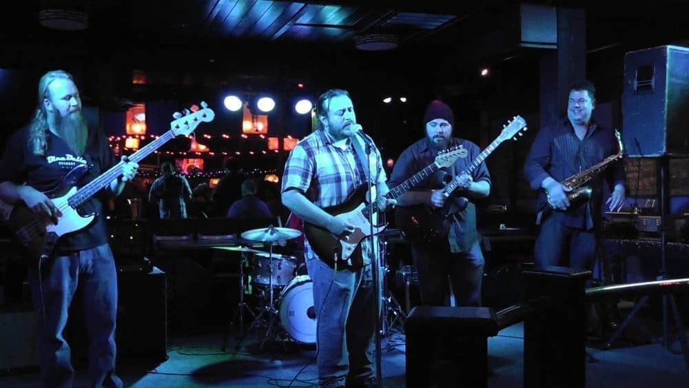 "<a class=""amazingslider-posttitle-link"" href=""http://www.makingascene.org/depth-interview-andrew-duncanson-kilborn-alley-blues-band/"" target=""_blank"">An In Depth Interview with Andrew Duncanson of the Kilborn Alley Blues Band</a>"