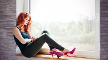 Awesome-Sad-Girls-Wallpapers-HD-Pictures