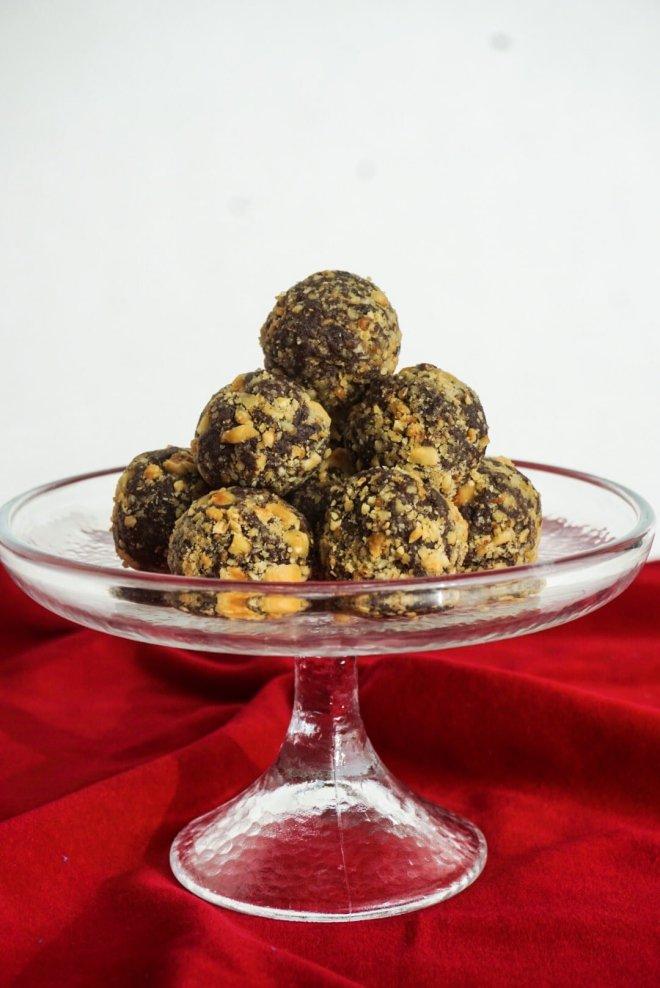 Chocolate Truffles on a raised dessert tray