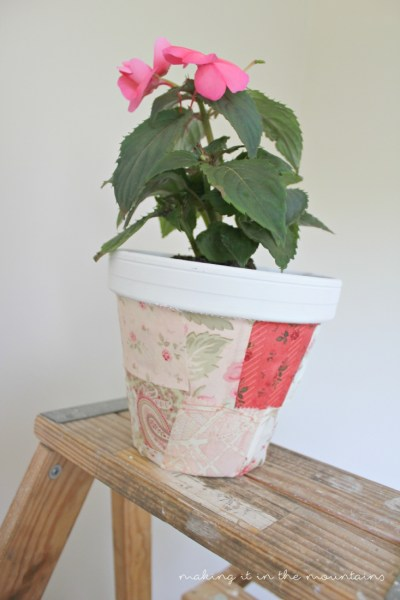 These pretty little DIY Flower Pots really are the perfect way to dress up any space for Summer!