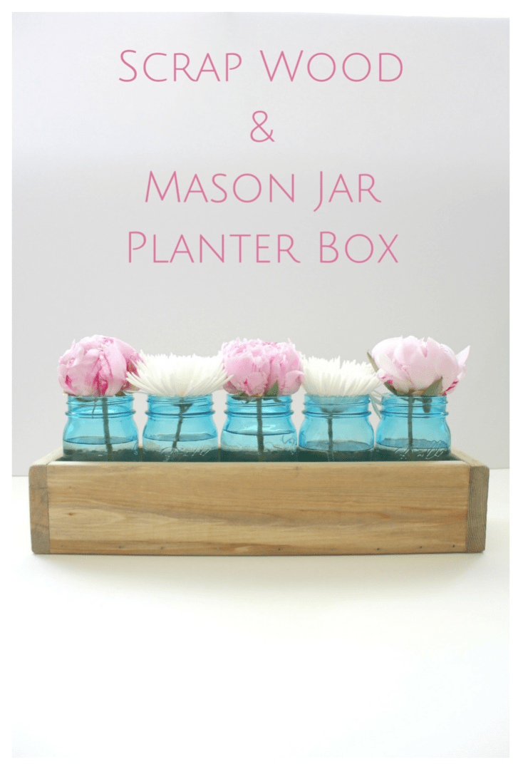 I'm not sure about you, but every time I see one of these lovely planter boxes, I tell myself that I'm going to make one too ... and then life gets busy and my good intentions go out the window.  Well my friends, no more!  This project is SO simple, there's no excuse to make one for yourself this weekend!!!