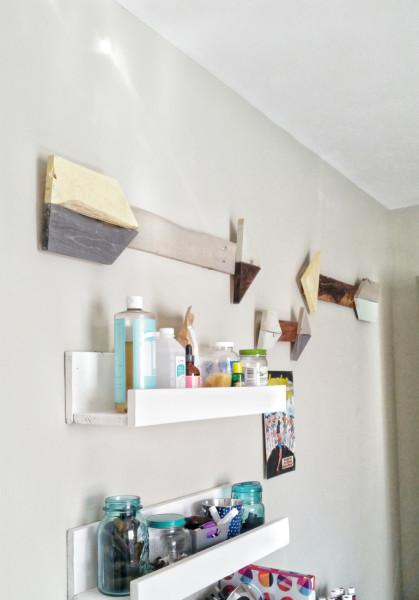 DIY Rustic Pallet Arrows