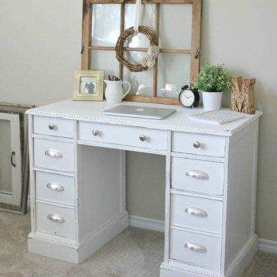 The Story of Greatness: A Vintage Desk Makeover