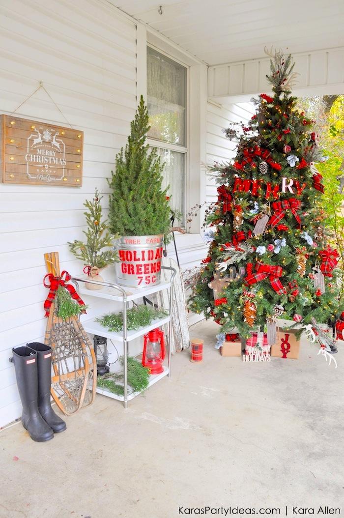 rustic plaid farmhouse christmas tree - Farmhouse Christmas Tree