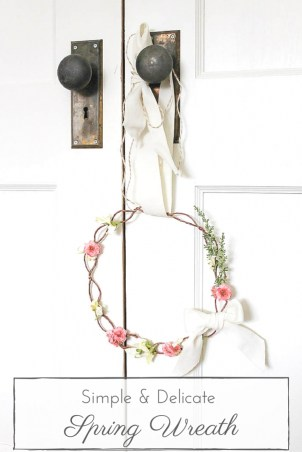 This delicate & simple Spring wreath is such a lovely way to bring a little colour and life to any Spring decor! | www.makingitinthemountains.com