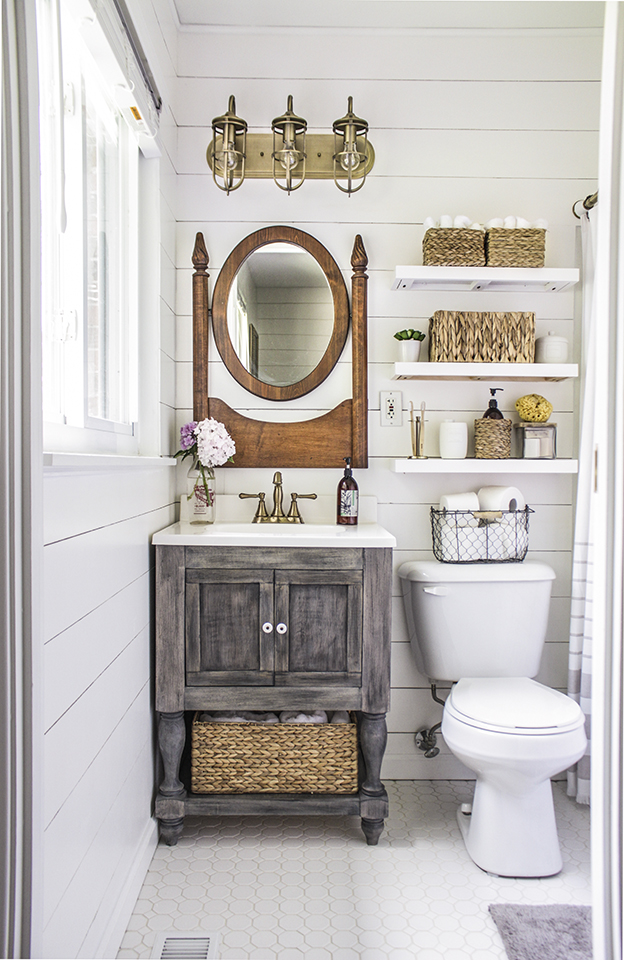 Farmhouse Style Bathroom