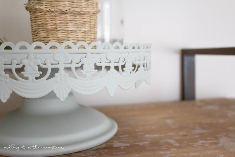 Painted Farmhouse Tray | www.makingitinthemountains.com