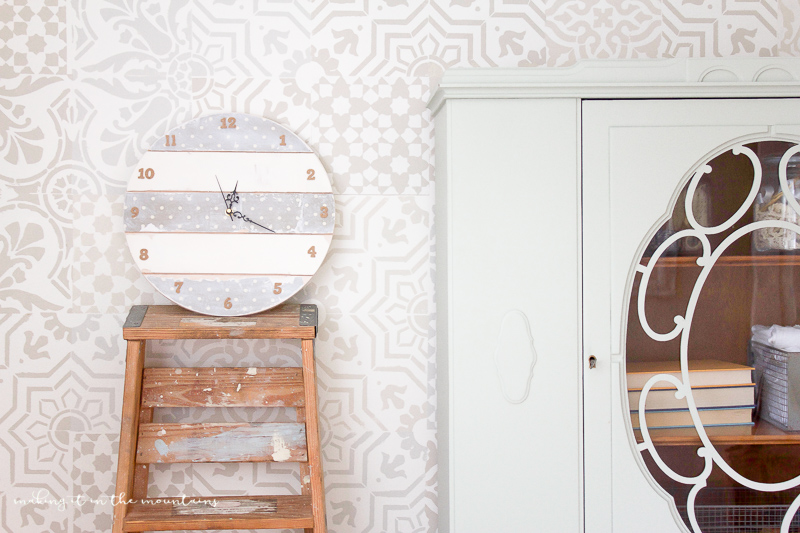 This sweet faux shiplap DIY clock was SO simple and inexpensive to make!
