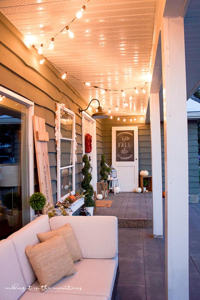 Farmhouse Fall Porch | www.makingitinthemountains.com