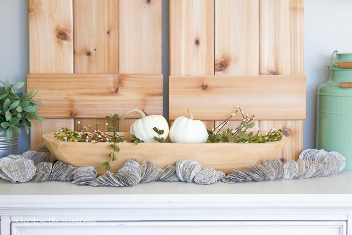 Farmhouse Fall Centerpiece | www.makingitinthemountains.com