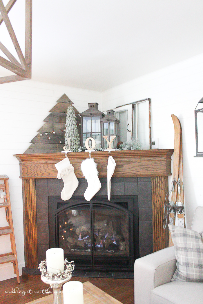Enjoyable How To Decorate A Corner Fireplace Mantel For The Holidays Home Interior And Landscaping Ologienasavecom