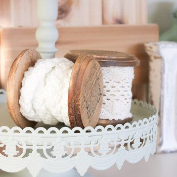Farmhouse Vintage Wooden Spools | www.makingitinthemountains.com