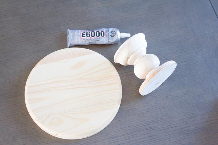 DIY Wood Cake Stand   www.makingitinthemountains.com