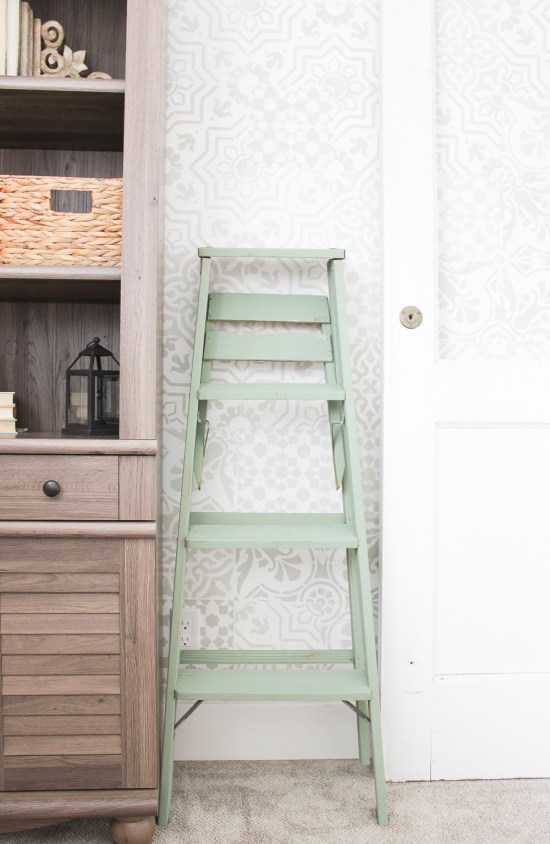 No matter how I choose to put it to work, this vintage painted ladder will be the perfect addition to any space in our home! | www.makingitinthemountains.com