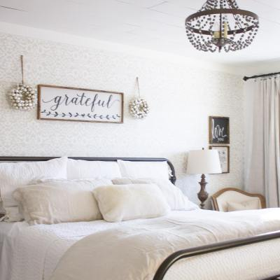 Home for Christmas – Farmhouse Christmas Bedroom
