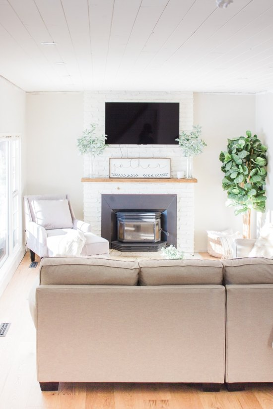 how to design a farmhouse living room - Modern Farmhouse Living Room
