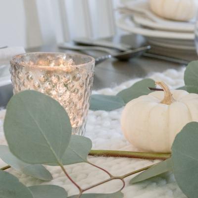 Farmhouse Fall Decorating Ideas   Simple + Cozy Thanksgiving Tablescape