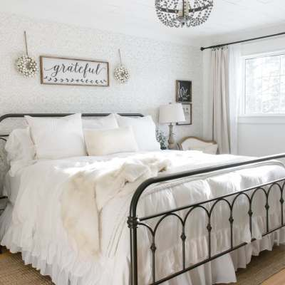 Simple Farmhouse Christmas Bedroom Decor