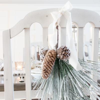 Simple + Cozy Farmhouse Christmas Tablescape