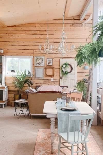 Farmhouse style greenhouse