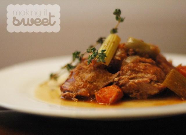 Slow Cooker Pot Roast via makingitsweet.com