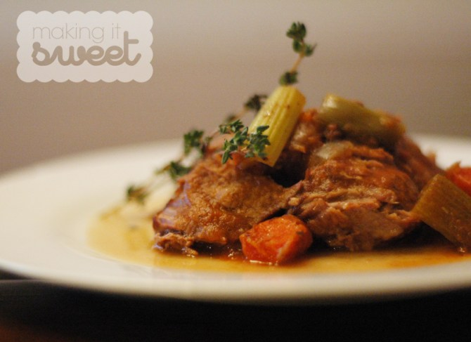 Slow Cooker Pot Roast via makingitsweet.com
