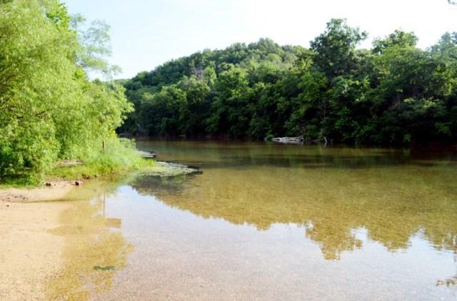 makingitsweet_roundspring_MO_river