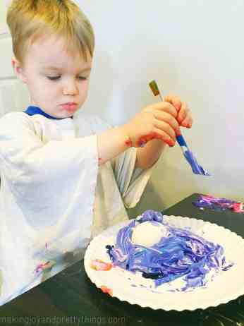 Fun, easy DIY shaving cream Easter eggs, perfect for those younger kiddos.