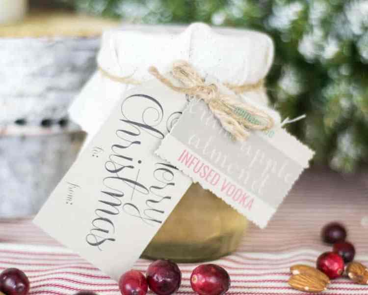 Mason Jar Infused Vodka | Farmhouse Style | DIY Ideas | 12 Days of Craftmas | DIY Gifts | Crafty Gifts | Christmas Gifts DIY | Gift Ideas | DIY Christmas Gifts
