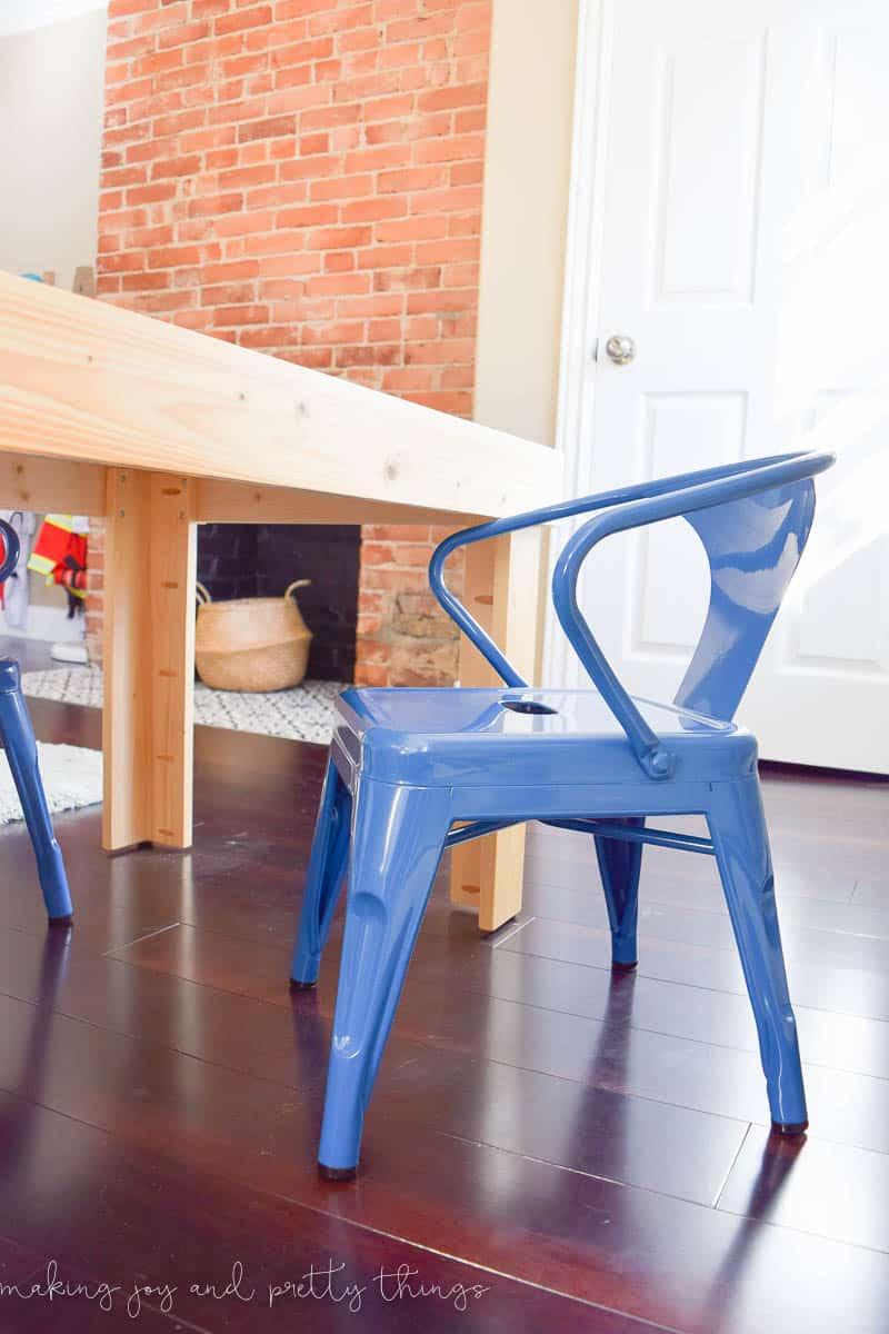 057a6410e91 DIY Kid s Craft Table -