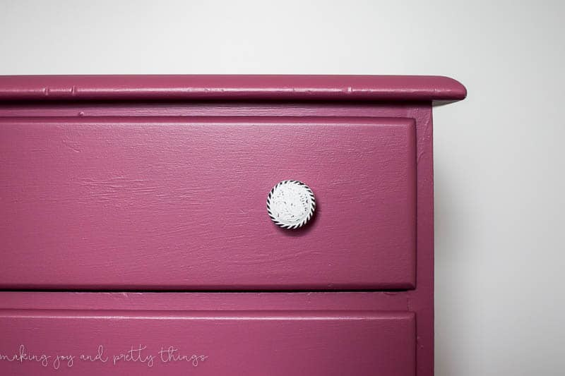 dresser makeover DIY | farmhouse furniture | furniture makeover DIY | painted dresser | farmhouse nursery