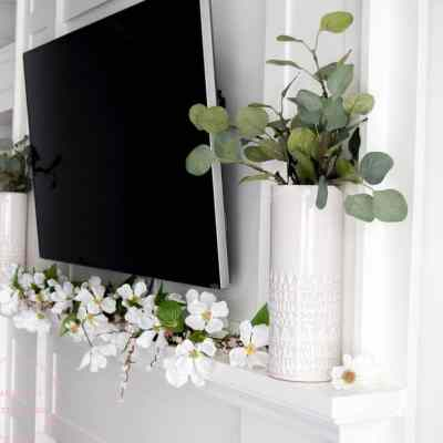 Simple Spring Farmhouse Mantle