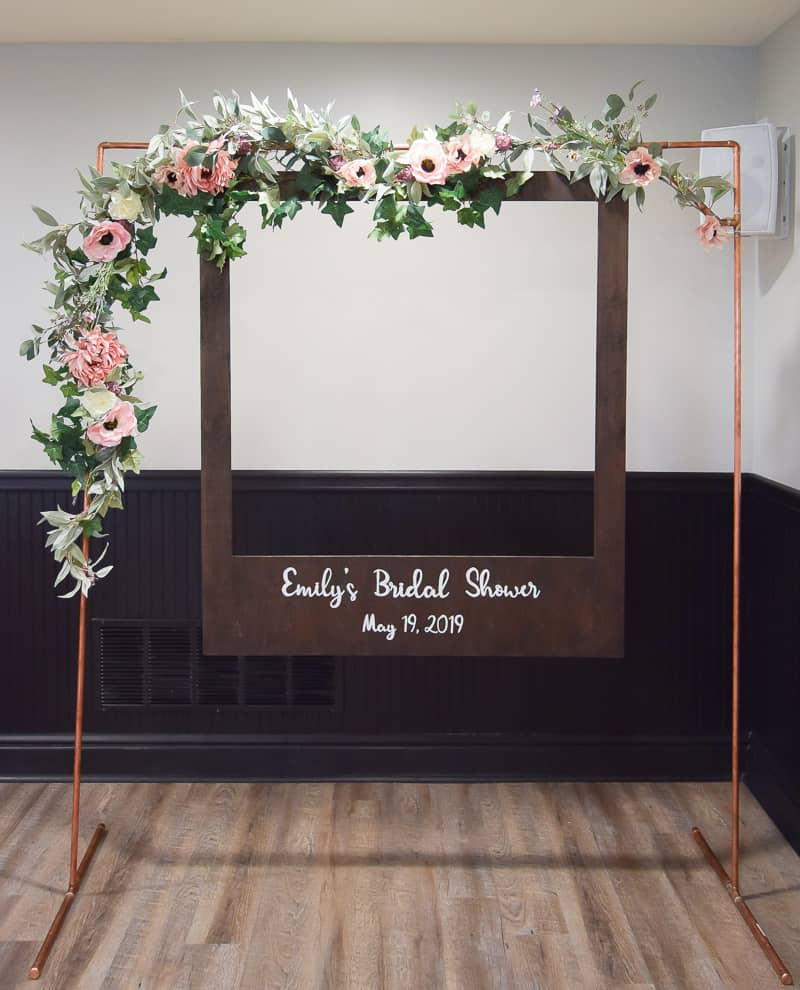 diy oversized polaroid photo booth | diy wedding | wedding ideas | diy projects | bridal shower | birthday party | wedding diy ideas | photo booth | diy photo booth | diy polaroid