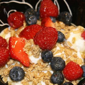 healthy yogurt parfait