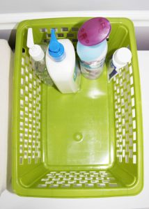 Easy two minute DIY diaper caddy