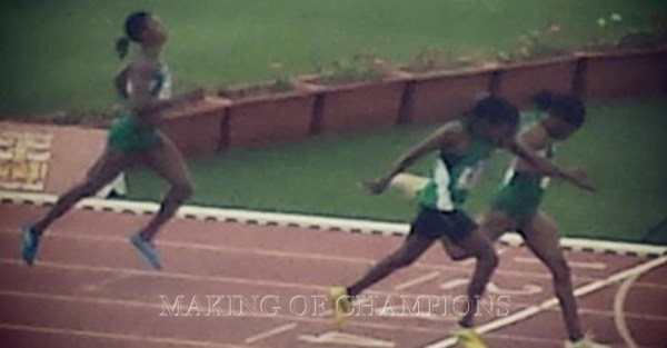 Mupopo's photo-finish with Nigeria's Folashade Abugan in the 400m at the African Championships,  with Patience Okon George in 3rd