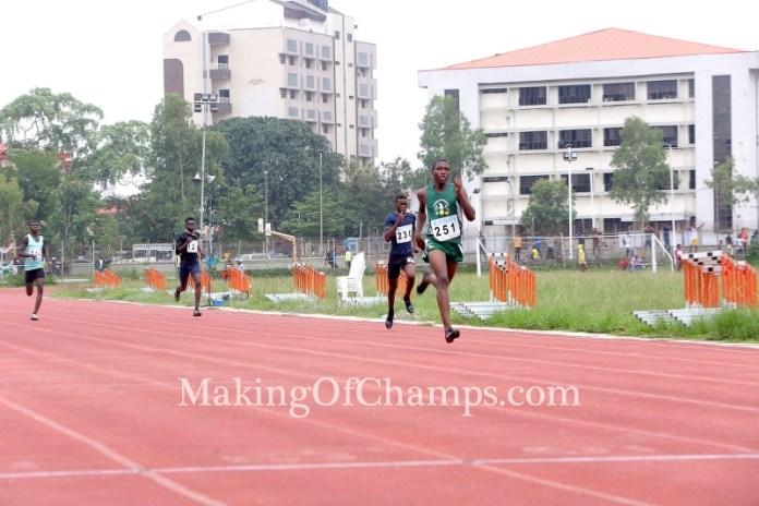 Ese Oguma dominated his 400m heat.