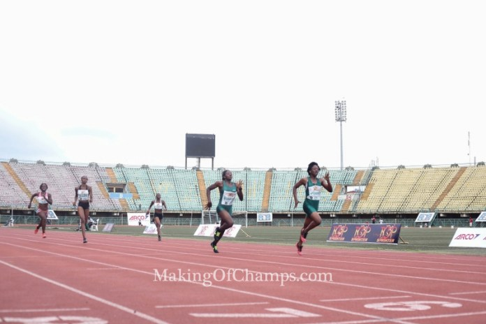 Udo-Gabriel and Ifunnaya racing to the finish line in Junior Girls 200m final