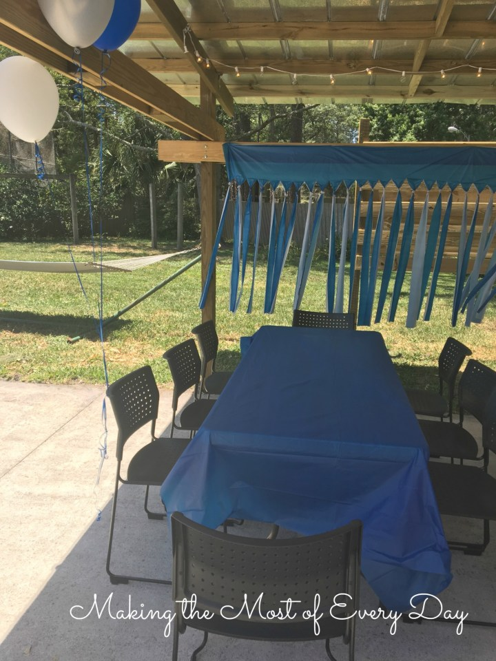 tables and streamers