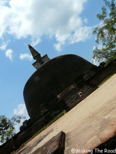 visiter polonnaruwa velo