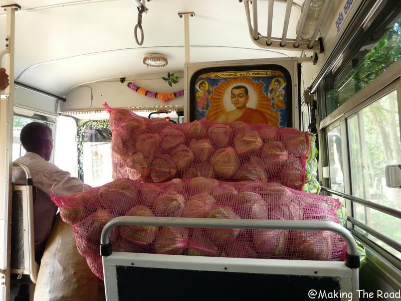 sri lanka transport bus car voyage sac à dos itinéraire 15 jours