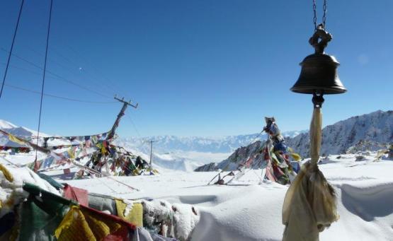 leh au khardung la la plus haute route au monde