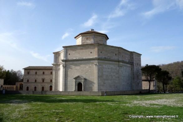 visiter les marches voyage italie monte sibilini sanctuaire macerato