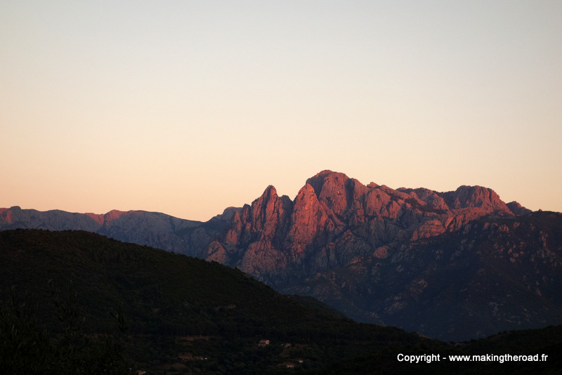 Visiter la Corse en train d'Ajaccio à Bastia Calvi