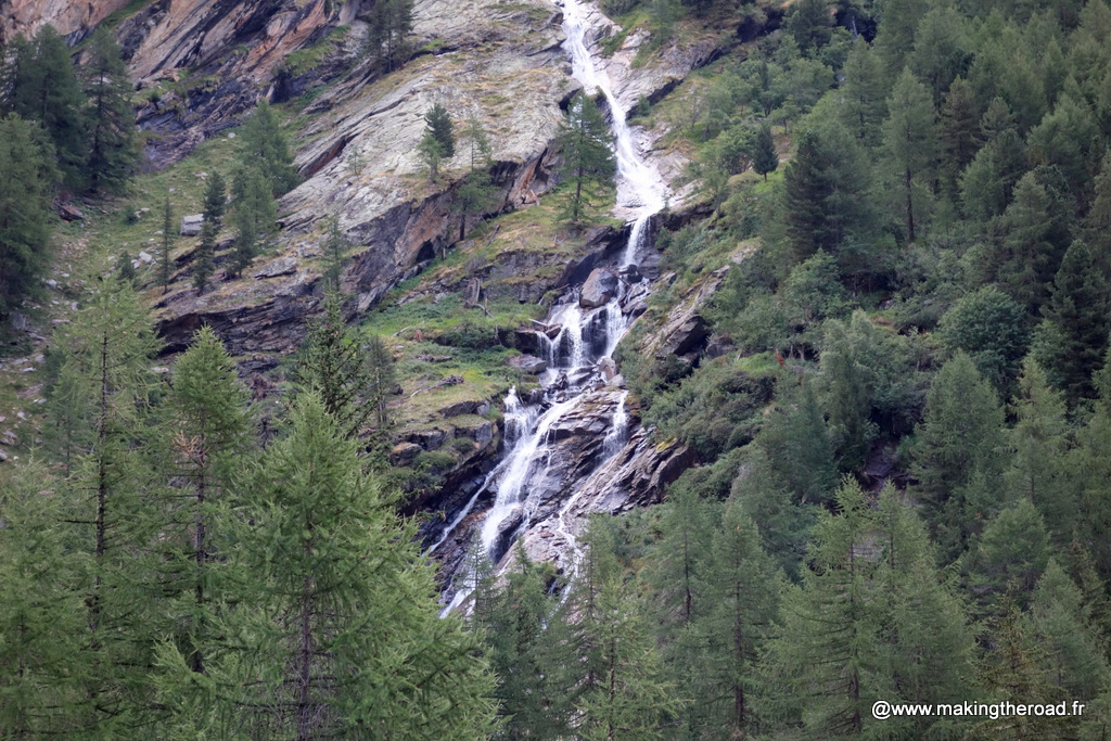 randonnée grand paradis carte visiter aoste cascade