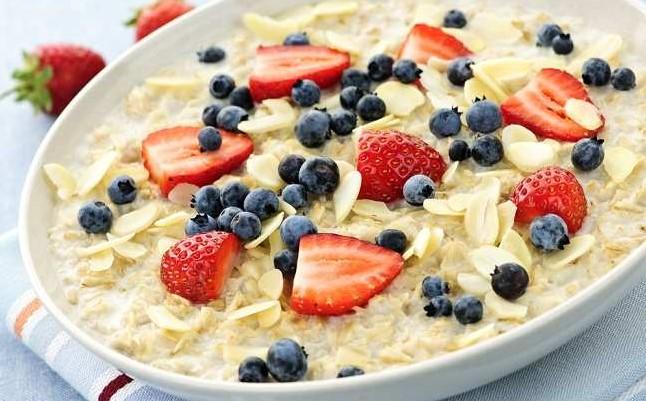 Oatmeal menu makanan sehat untuk diet